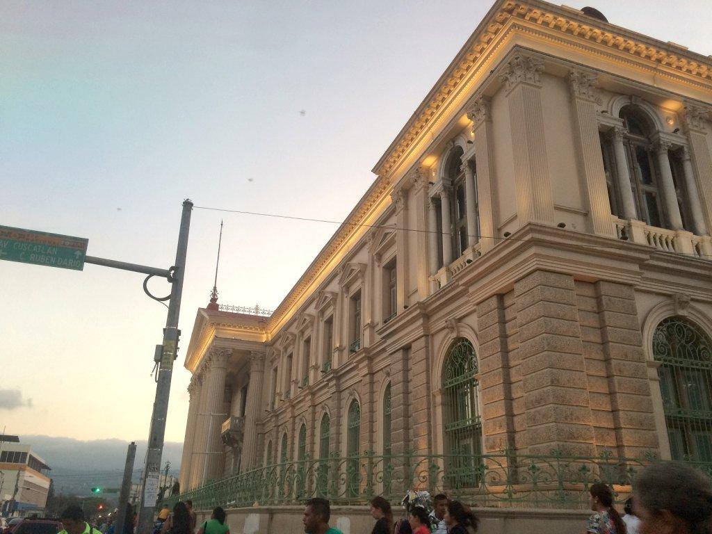 El Salvador Palast