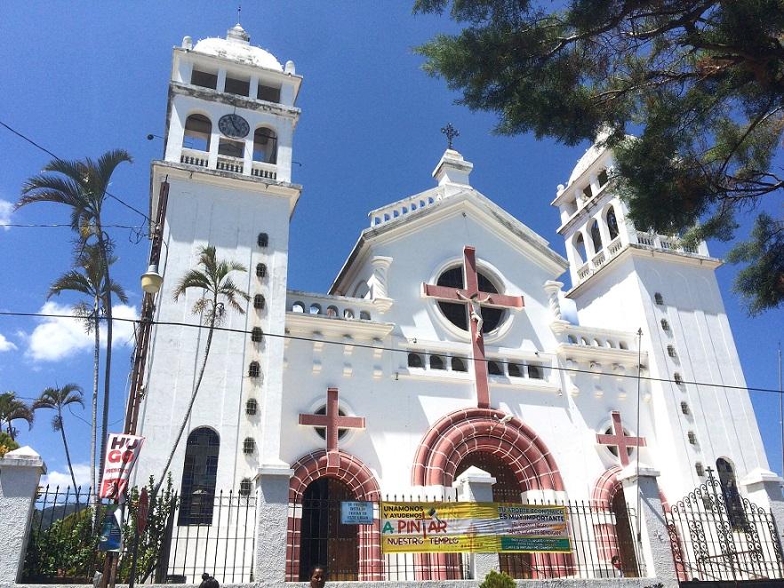Juayua Kirche