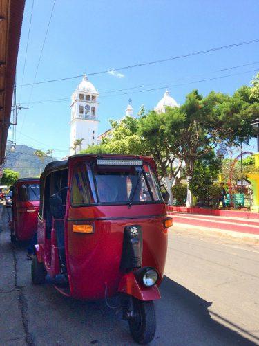 Juayua Tuktuk