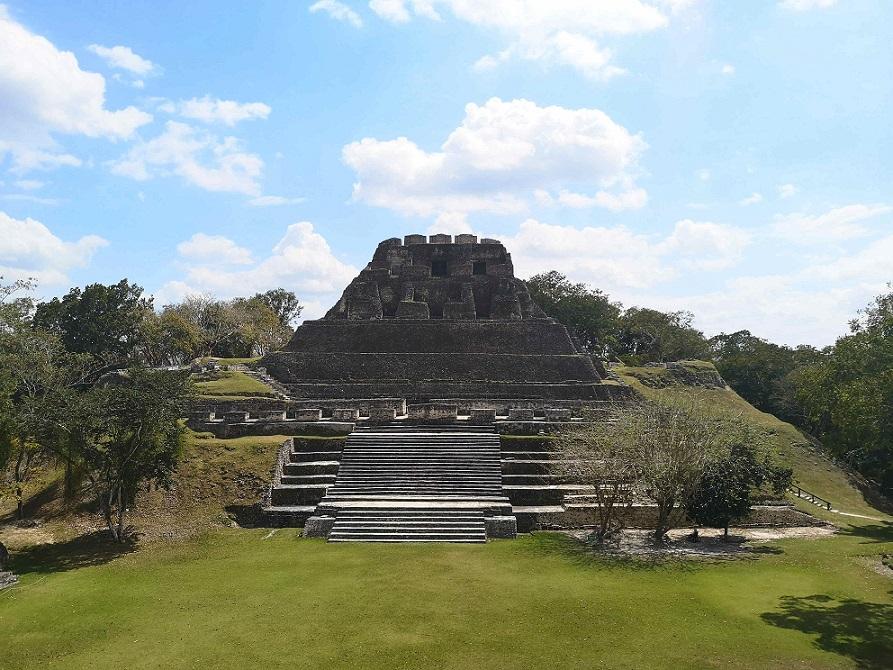 Xunantunich Pyramide